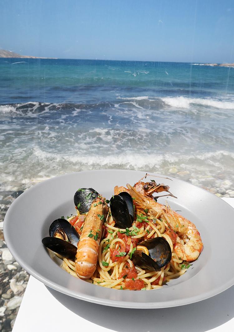 georgmallner_paros_naoussa_greekislands_greece_holidays_vacation_whitehouses_ozean_sea_beach_fashion_lifestyleblogger_lifestyleblog_lifestyle_18