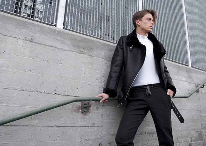 georgmallner_zara_sheepskinjacket_weekday_turtelneckshirt_albertopants_drmartens_fashion_look_outfit_7