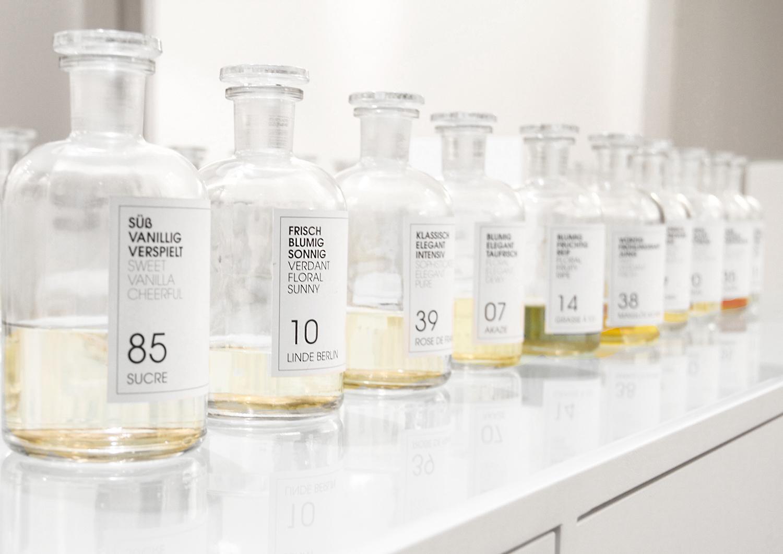 GeorgMallner_Beauty_Perfume_FrauTonisParufm_Customized Perfume_Perfumery_Oud_Amber_Scent_Fragrance_2